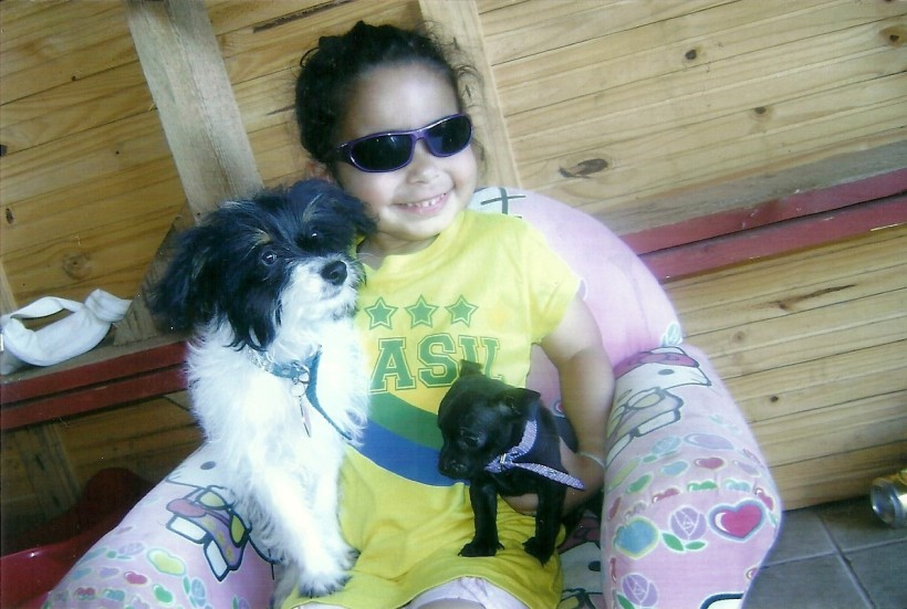 Érica com Chiquinha e Quico